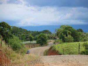 Straße nach Boca Tapada
