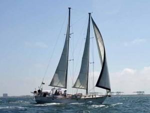 Segeljacht auf dem karibischen Meer
