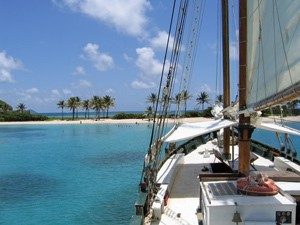 Mit dem Segelboot Inselhüpfen