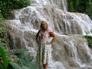 Reisende vor den Dunn's River Falls