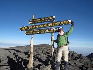 kilimanjaro beklimming wegwijzer tanzania