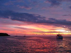 galapagos cruise ecuador sunset