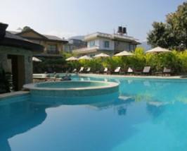 nepal reis pokhara zwembad