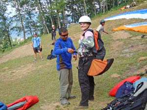 paragliden bij pokhara