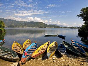 Pokhara trekking boot meer