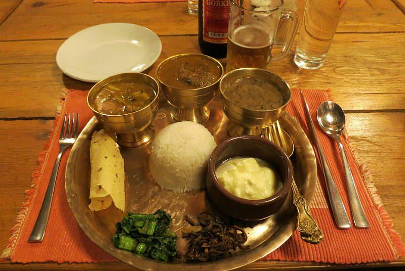 Eten dal bhat nepal