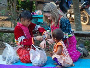 Thailand reisverslagen - bergstam Chiang Mai kids