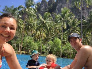 Thailand strand - zwembad Ao Nang
