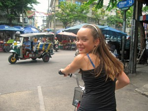 Bangkok met kinderen op de fiets