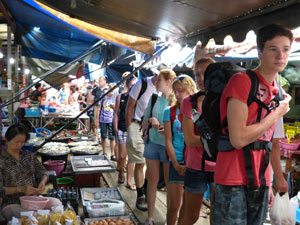 2 weken Thailand met kinderen: markt Bangkok
