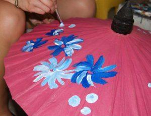 Chiang Mai met kinderen - parasol beschilderen