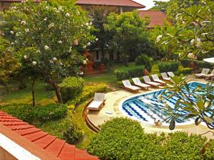 trekking Chiang Mai met kinderen: zwembad bij hotel