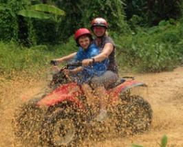 Rondreis Thailand met tieners: quad rijden