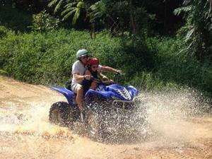 Thailand met tieners - quad rijden Ko Samui