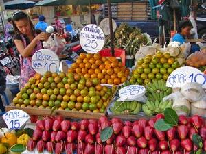 River Kwai resort met kinderen - Bangkok fruit markt