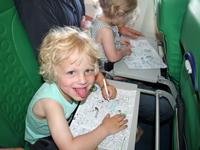 Tips vakantie Thailand met kinderen - onderweg vliegtuig