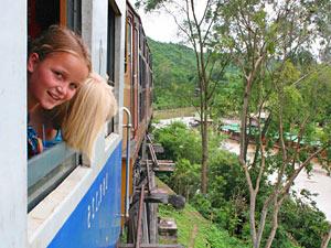 Actieve gezinsvakantie Thailand - treinrit River Kwai
