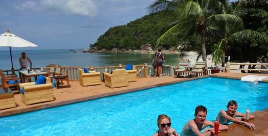 Zwembad tijdens je vakantie Thailand