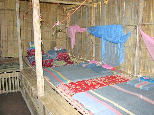 trekking lokale bevolking hut thailand