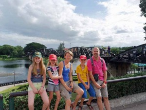 River Kwai resort met kinderen - brug over River Kwai