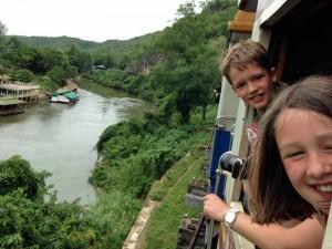 River Kwai Thailand met kinderen - treinrit