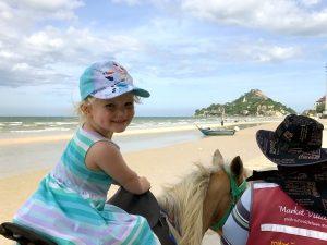 Paardrijden in Hua Hin met kinderen