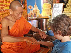 Ontmoeting met monnikken - Rondje Gouden Driehoek