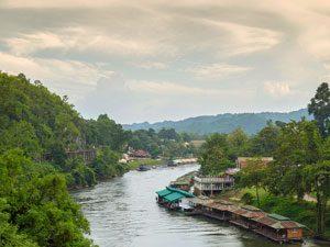Dodenspoortlijn river kwai thailand