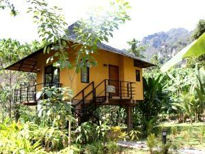 khao sok anurak community lodge