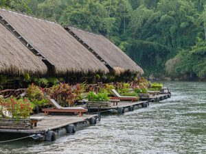 Drijvend huisje river kwai