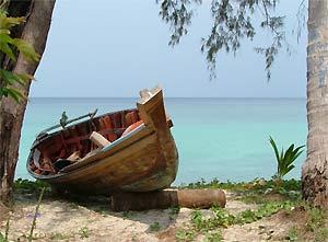 Verlaten strand rondreis Thailand