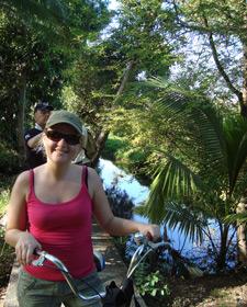 Ellen op fiets Bangkok Thailand