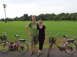 Fietsen langs de rijstvelden Laos