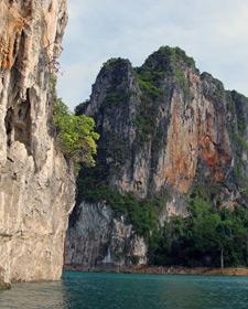Limestone rotsen Khao Sok Thailand