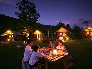 Tentenkamp aan River Kwai Thailand