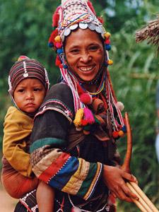 Thaise vrouw met baby Thailand