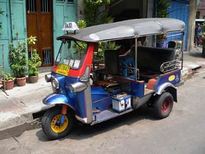 tuk tuk vervoermiddel in Thailand