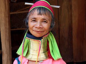 langnek vrouw ringen thailand