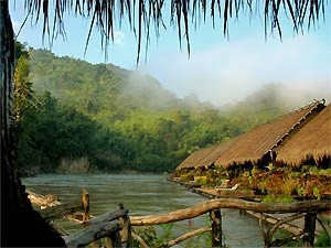 drijvende huisjes River Rwai