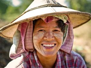 vrouw-myanmar-reis
