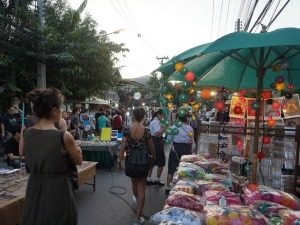 Souvenirs op de markt in Thailand