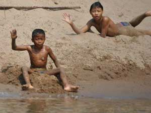 kind waterkant laos