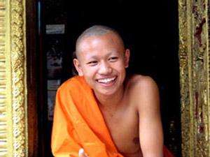 monnik in luang prabang laos