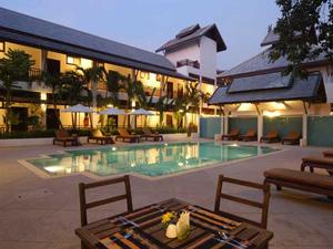 thais hotel laos zwembad