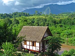Bungalow Khmu dorp Laos