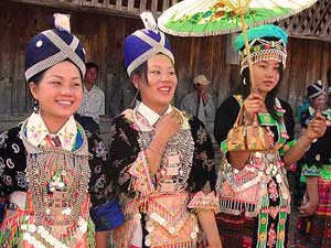 hmong girls happy