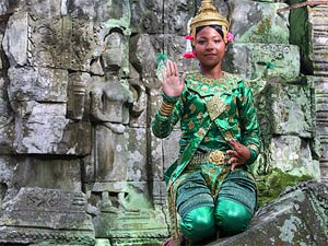 klederdracht meisje angkhor thailand