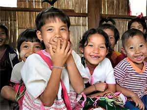 reis laos weeshuis