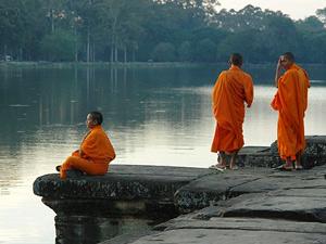 monnik rivier pnom penh cambodja