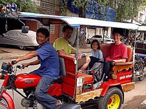 tuktuk phnom penh cambodja